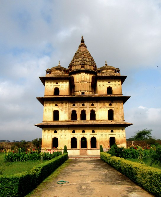 cenotaphs-at-orchha10